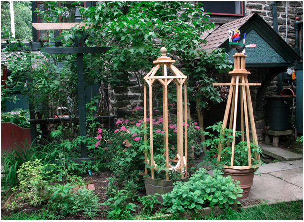 build wooden tomato cage